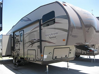 2015 FOREST RIVER ROCKWOOD 8288WS