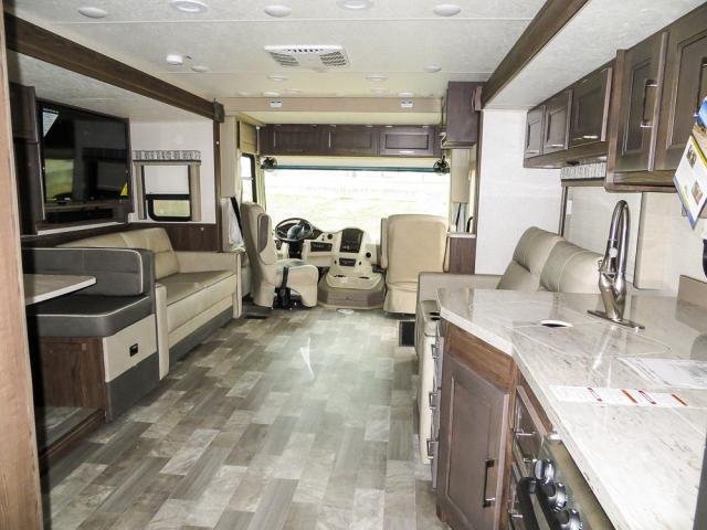 2019 FOREST RIVER MIRADA 350S